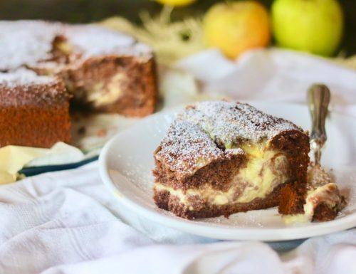Torta al cioccolato variegata alla crema pasticcera