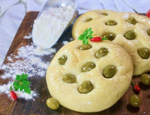focaccine soffici alle olive