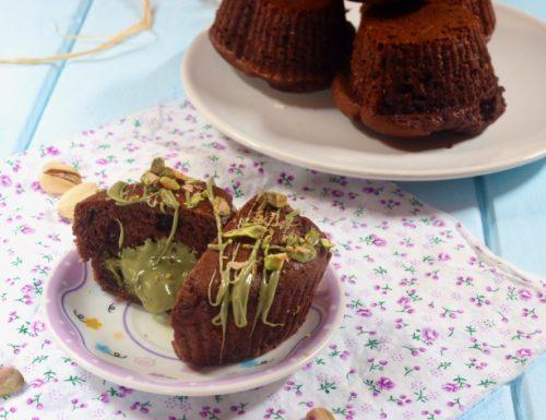 muffin al cioccolato con cuore al pistacchio