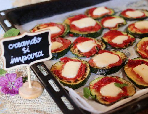 pizzette di zucchine e scamorza