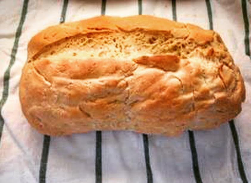 Pane casereccio pugliese, con farina di grano duro