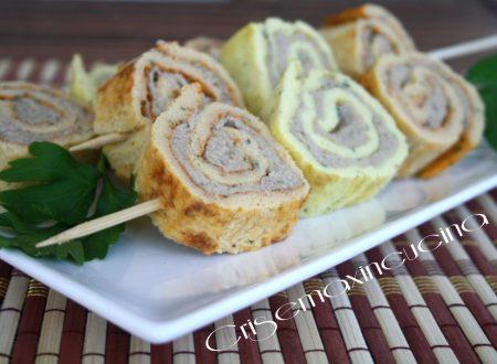 Rotolini di frittata colorata, ricetta creativa