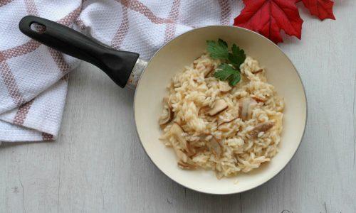 Risotto coi funghi porcini, ricetta primo piatto.