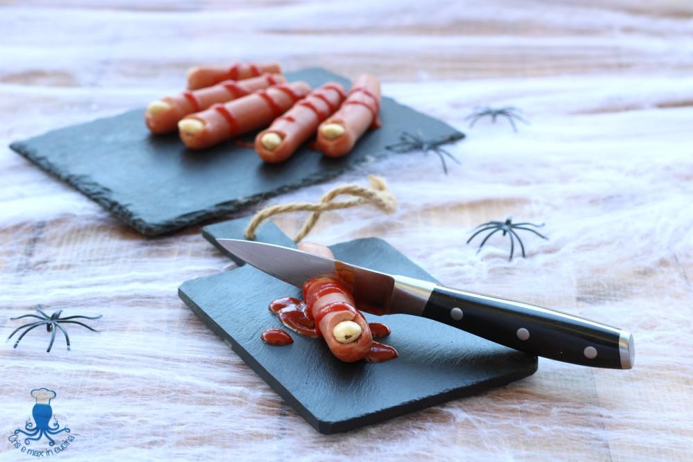 Dita di Strega con i Wurstel, Ricetta Mostruosa di Halloween