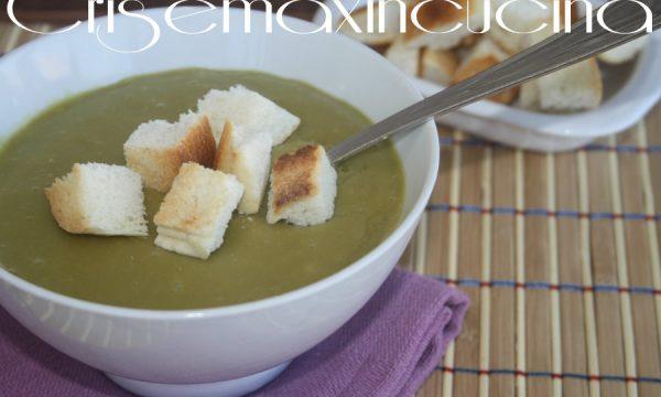 Crema di piselli con crostini, ricetta zuppe & minestre