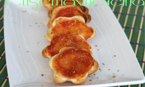 Pizzette di pasta sfoglia, ricetta finger food