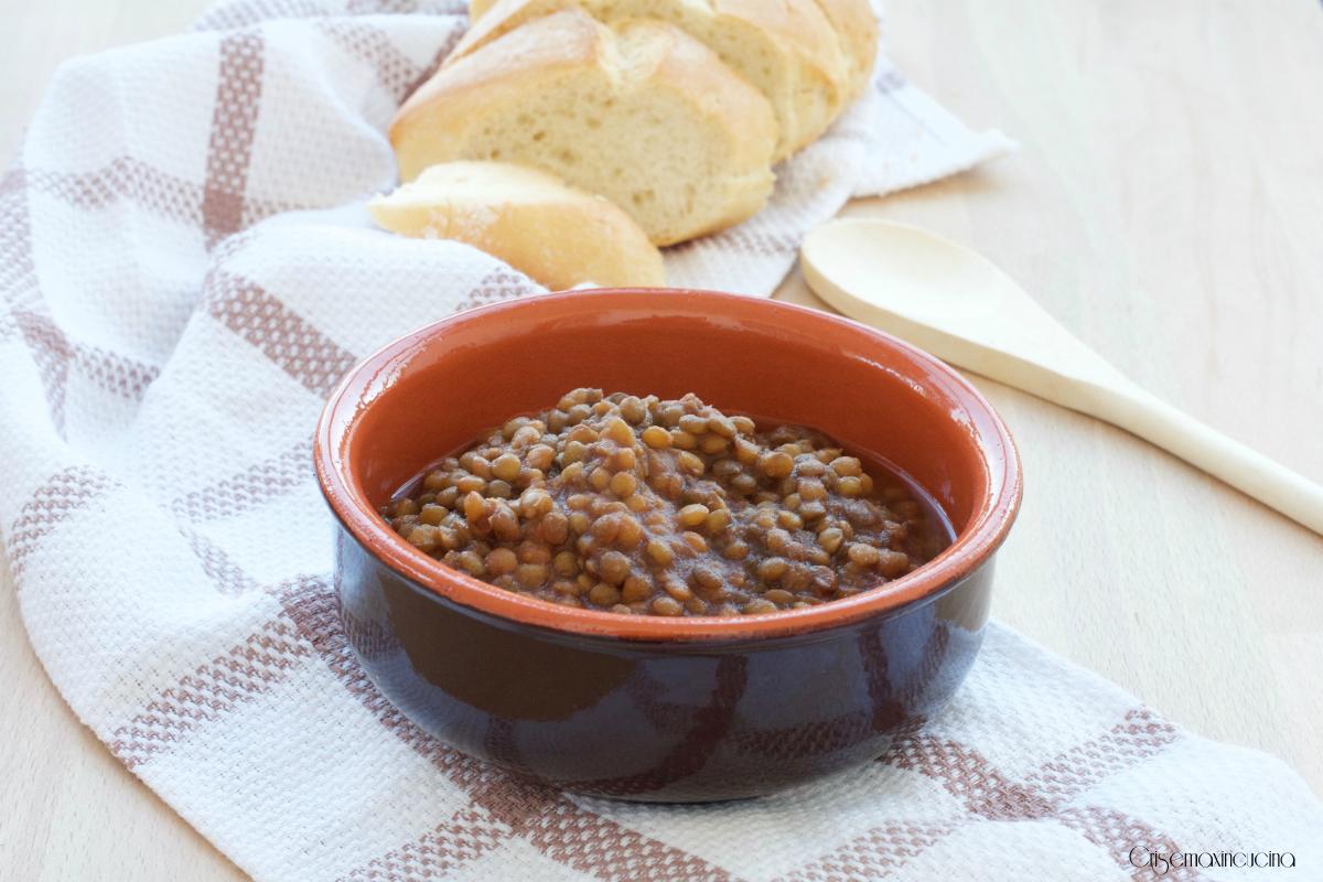 Ricetta Lenticchie Senza Pomodoro.Lenticchie In Umido Ricetta Economica E Salutare