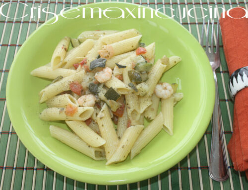 Penne con le zucchine e gamberi, ricetta veloce.