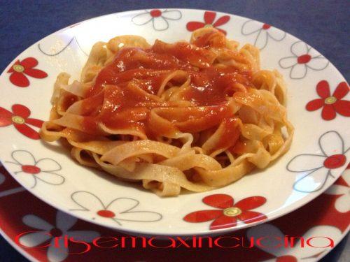 Tagliatelle al pomodoro, ricetta primi piatti