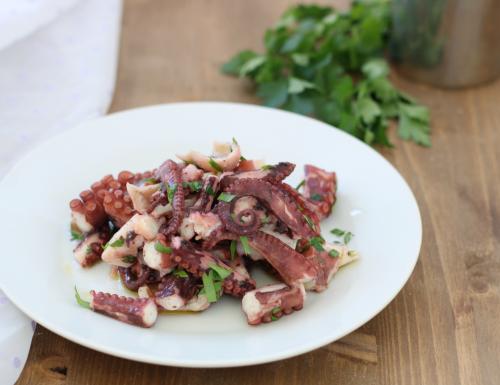 Polpo in insalata, ricetta di pesce di facile preparazione