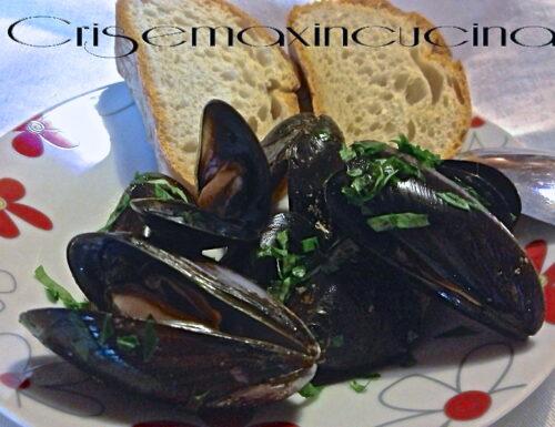 Cozze alla marinara, ricetta di pesce