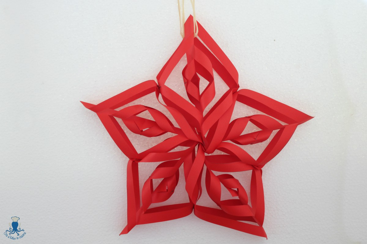 Stelle Di Natale Da Costruire stella di natale di carta, lavoretto facile passo a passo
