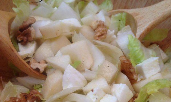 Indivia belga con pere e noci, ricetta veloce