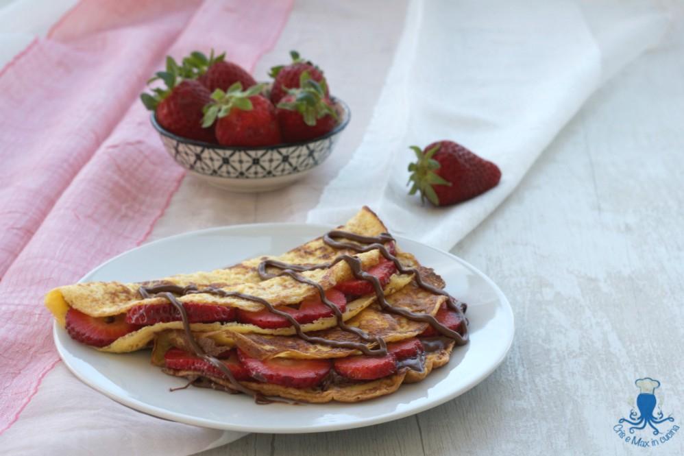 Omelette Fragole e Nutella, Ricetta Golosa di Facile e Veloce Preparazione