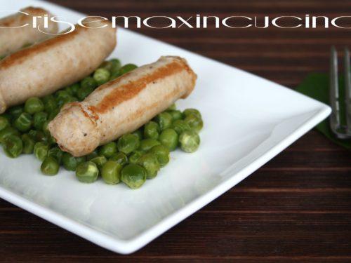 Salsiccia di pollo con piselli, ricetta veloce