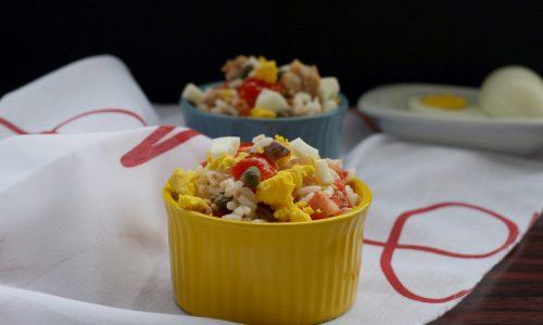 Insalata di riso tonno e uova, ricetta light
