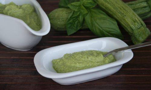 Pesto con le zucchine, ricetta semplice