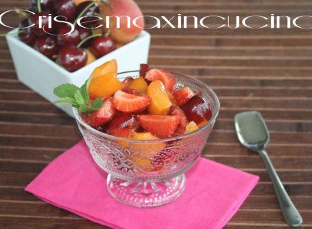 Macedonia di frutta fresca, ricetta estiva
