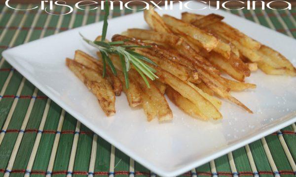 Patatine fritte a bastoncino, ricetta stuzzicante