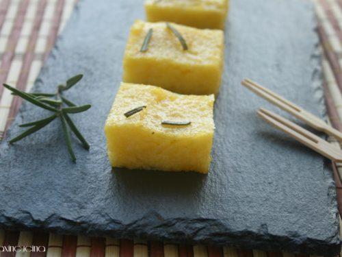 Stuzzichini di polenta aromatizzati, ricetta finger food