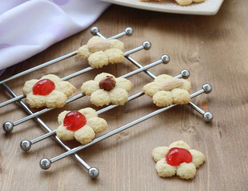 Biscotti di frolla montata, ricetta raffinata di facile preparazione