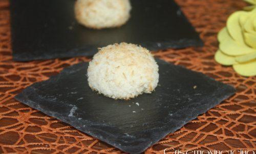 Biscotti al cocco vegani, ricetta dolce