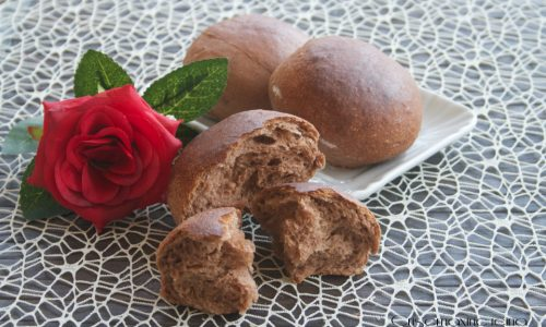 Panini semidolci al cacao con lievito madre
