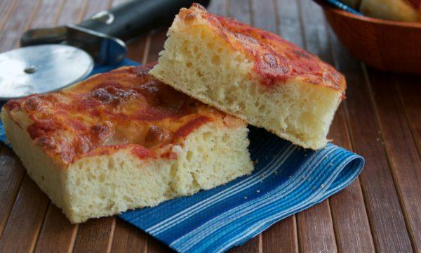 Pizza con farina di grano duro, ricetta lievitata