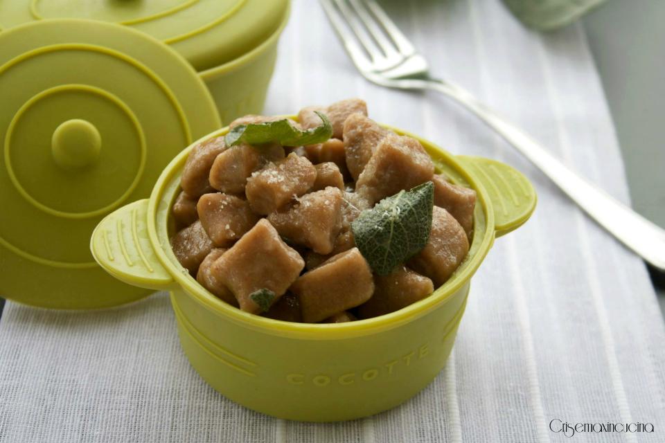 chicche di patate e castagne burro e salvia 1