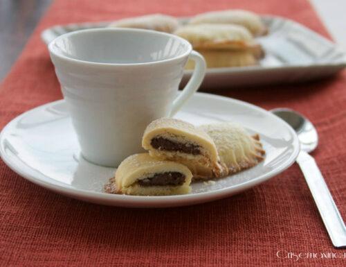 Biscotti farciti alla nutella, ricetta golosa