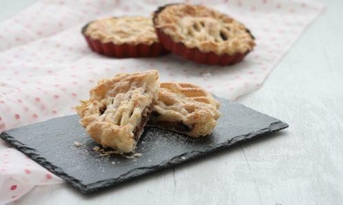 Crostatine di pasta sfoglia con mele