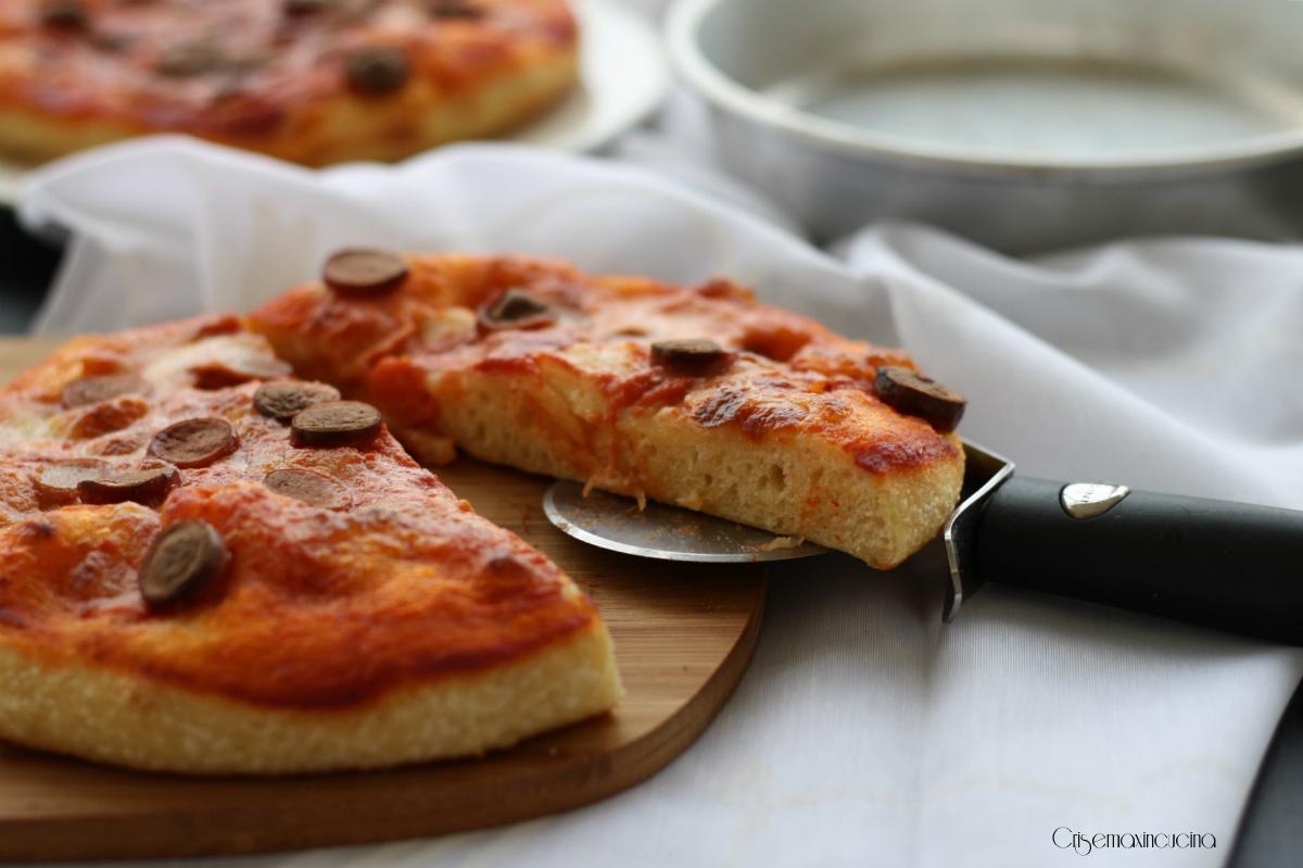 Ricetta Tegamino Wurstel.Pizza Al Tegamino Con I Wurstel Con Licoli