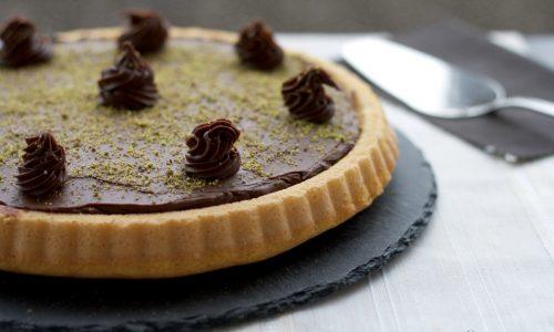 Crostata morbida con ganache al cioccolato e pistacchio