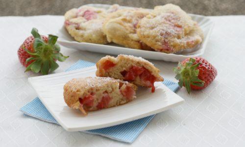 Frittelle con le fragole, ricetta sfiziosa