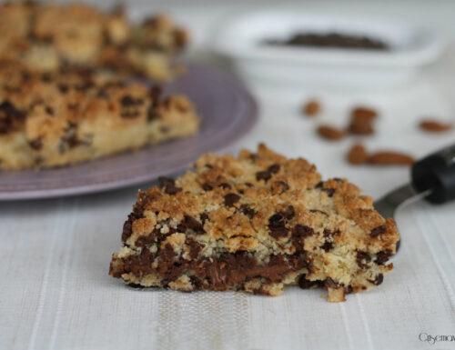 Torta cookies con le mandorle, ricetta facile e golosa