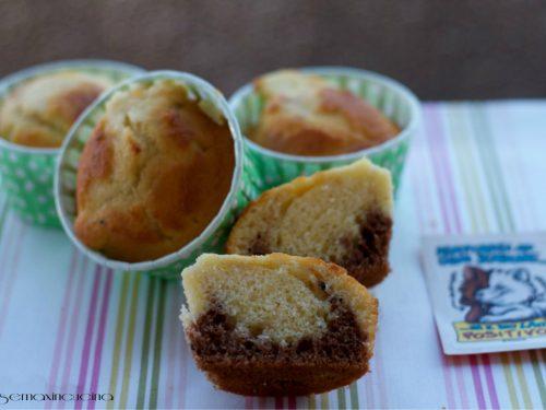 Muffin al latte caldo vaniglia e cacao