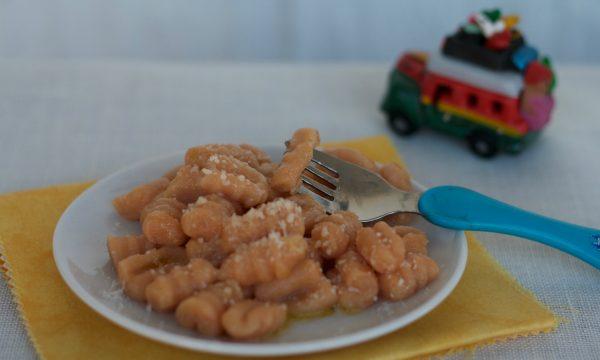 Gnocchetti rossi di patate olio e parmigiano