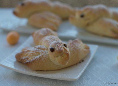 Colombine lievitate, ricetta di Pasqua
