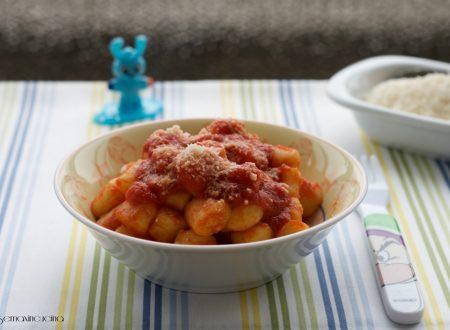 Chicche di patate al pomodoro, ricetta facile e gustosa