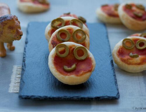 Pizzette di sfoglia alle olive