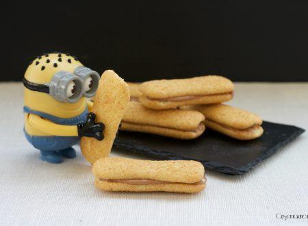 Biscotti ripieni con ricotta e crema di nocciole