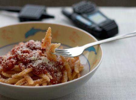 Malloreddus al sugo di pomodoro, ricetta facile e veloce