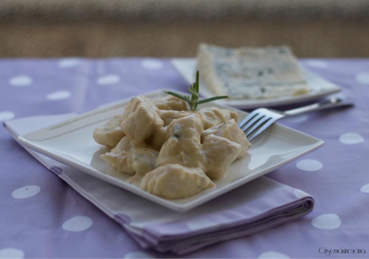 Bocconcini di pollo alla birra e gorgonzola, ricetta gustosa