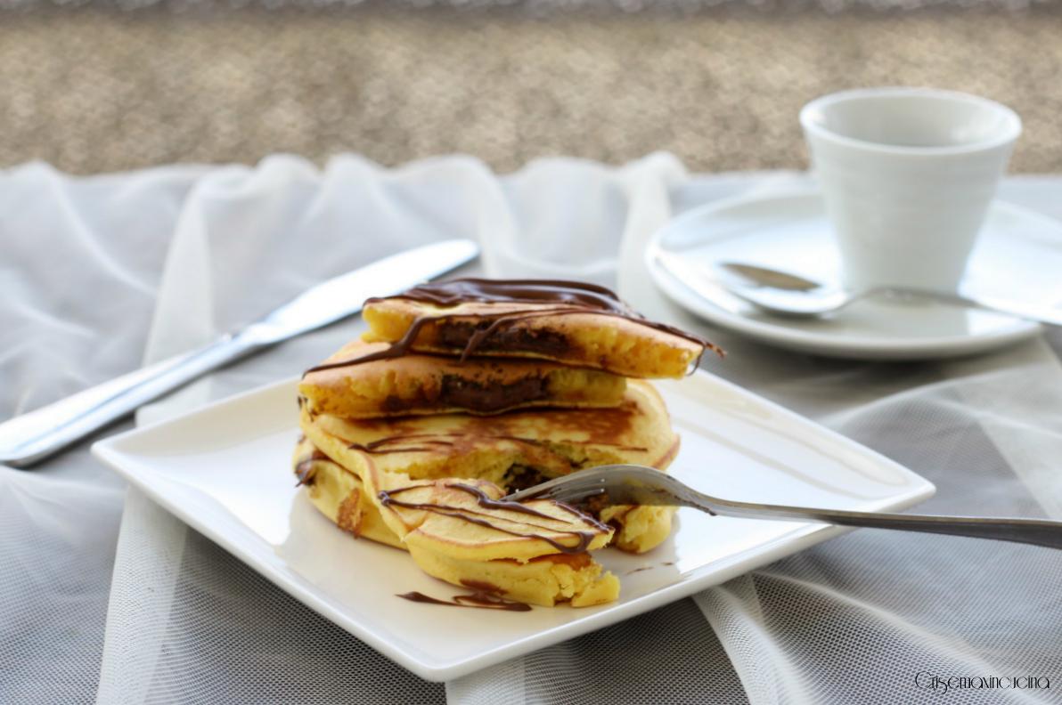Pancake con Cuore alla Crema di Nocciole, Ricetta Golosa