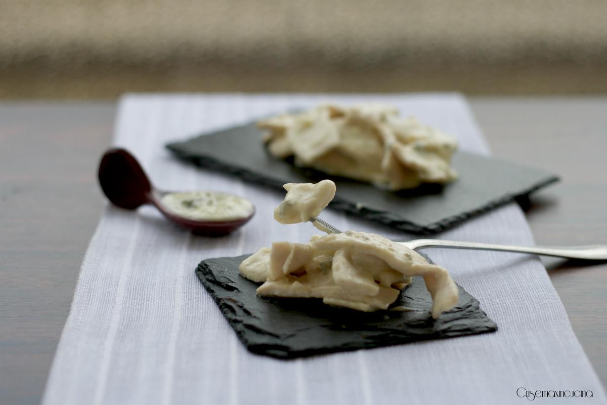 Straccetti di pollo con il gorgonzola, ricetta facile e veloce
