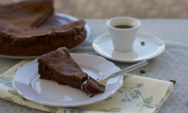 Torta al cioccolato con il caffè, ricetta di Montersino