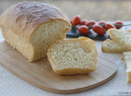 Pane per tramezzini, ricetta lievitata