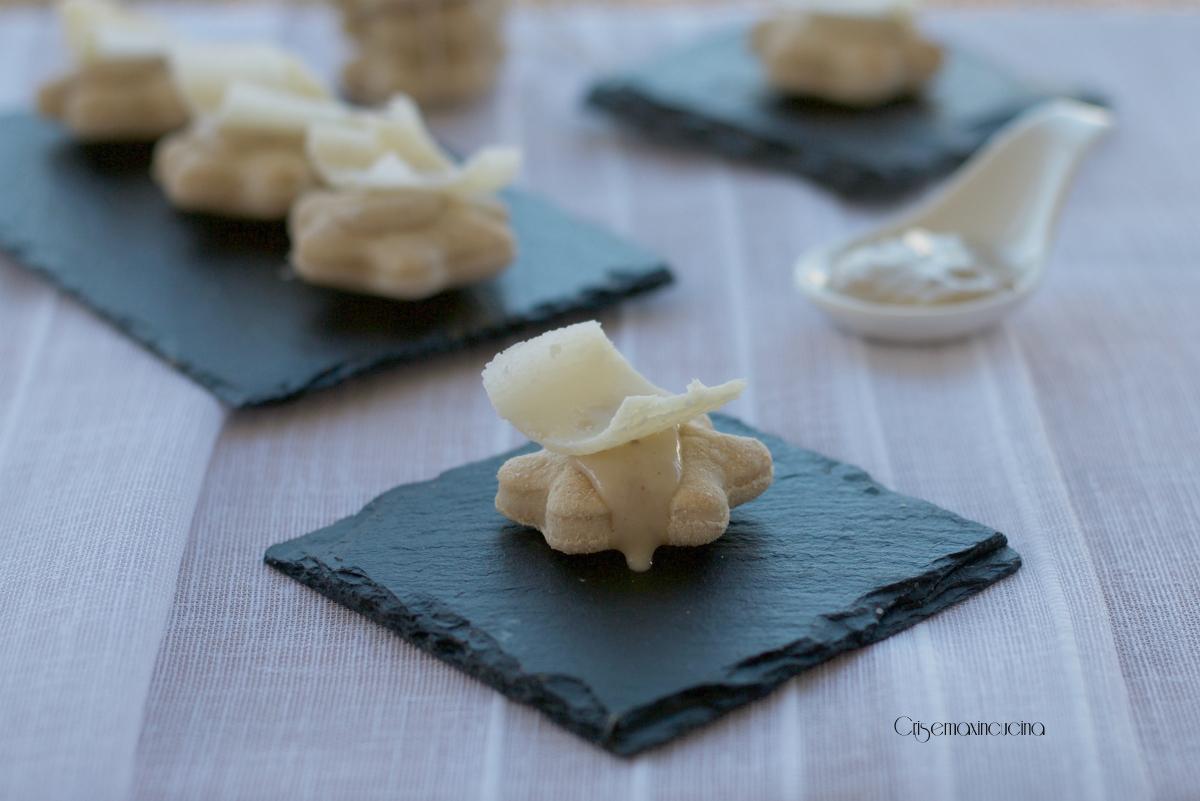 Focaccine con crema ai tartufi
