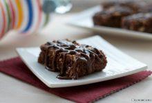 Brownies alla frutta secca e crema caffè, ricetta golosa