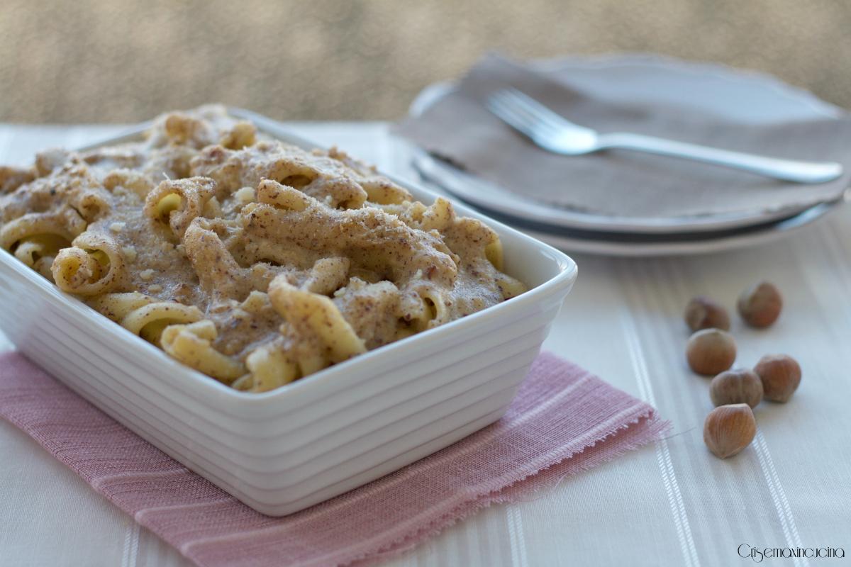 Pasta al Forno con Pesto alle Nocciole, Ricetta Raffinata